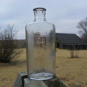 Vintage Mg Clear Glass Measuring Bottle Measure